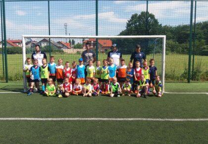 Dzieci z Akademii Piłkarskiej Reissa licznie stawili się na kępińskich obiektach