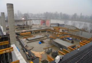Początek montażu dachu